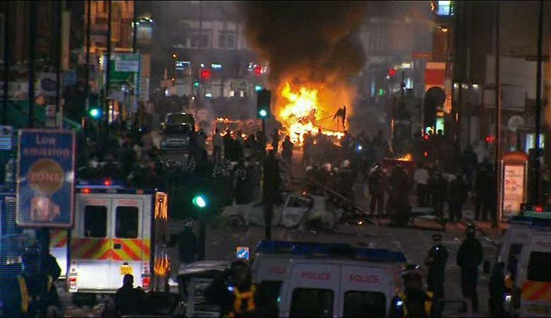 Ein Sprecher von Londons Bürgermeister Boris Johnson warnte, Gewalt und Zerstörung würden die Ermittlungen der IPCC nicht erleichtern.