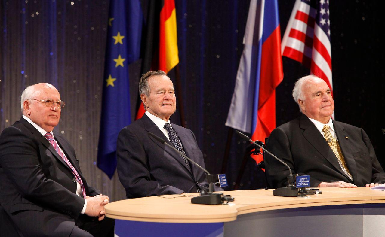 Bildergebnis für wiedervereinigung kohl gorbatschow bush