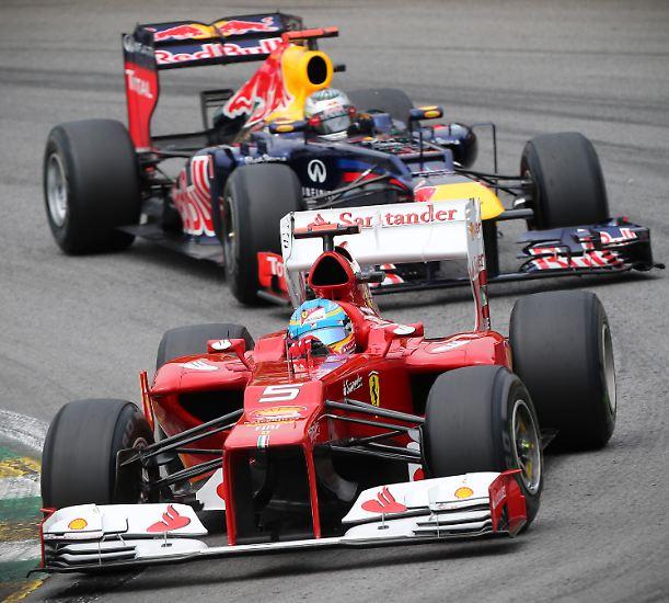 Vettel und Alonso lieferten sich bis zum letzten Rennen des Jahres ein WM-Duell auf Augenhöhe.