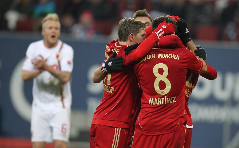 Seine Bayern hatten beim FC Augsburg im Schongang 2:0 gewonnen ...