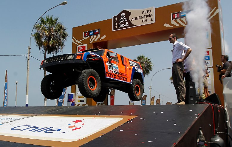 Am Strand von Lima, der Hauptstadt von Peru, ist am 6. Januar 2013 die 34. Rallye Dakar gestartet.