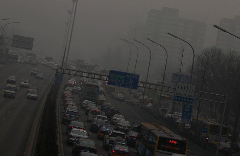 Die Megametropole versinkt im Smog - wie auch viele Provinzen im Norden uns Osten des Landes.