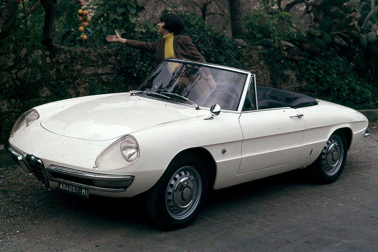 Alfa Romeo Spider Wird Bei Mazda Gebaut So Wie Der Duetto Aus Dem Jahr 1966 Ab