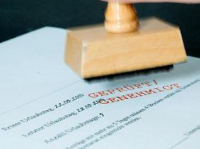 Rechtzeitig um den Urlaubsantrag kümmern: Arbeitnehmer haben keinen Anspruch darauf, übriggebliebene Urlaubstage ins neue Jahr mitzunehmen.