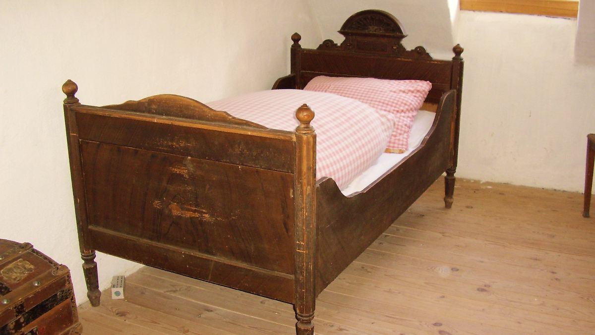 nach hartz iv umzug amt muss neue m bel zahlen n. Black Bedroom Furniture Sets. Home Design Ideas