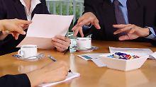 Im Gespräch mit Kunden oder Kollegen ist Kaugummi kauen tabu.