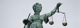 Auch wenn der Anwalt haarsträubende Fehler macht - die Rechtschutzversicherung muss zahlen