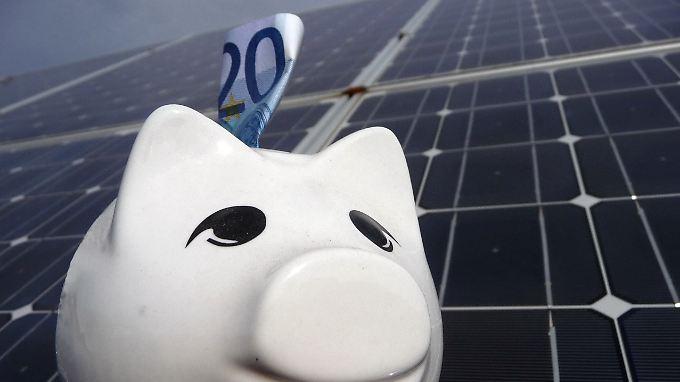 Besitzer einer Photovoltaikanlage kassieren, alle anderen müssen zahlen.