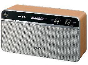 Heimelige Optik aus den 50ern, aber Hightech im Gehäuse: Sonys neues DAB-Radio XDR-S16DBP.