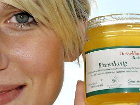 """Völlig schutzlose Systeme nennt man """"Honeypot"""" (Honigtopf), weil sie Schädlinge anziehen wie Honig die Bienen. Sicherheitsanbieter setzen sie absichtlich ein."""
